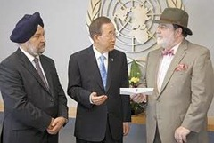 Hardeep puri with Ban ki Moon