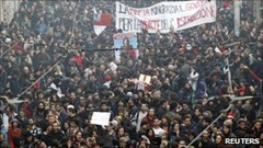 Italy students strike